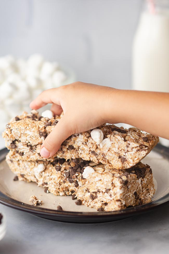 Kids love these homemade granola bars and can help make them!