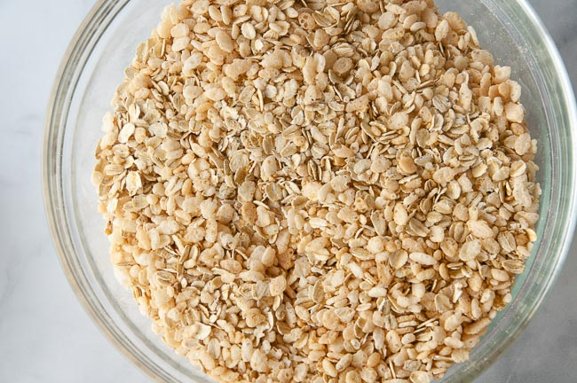 Toss the oats, cereal and graham cracker crumbs together in a separate bowl.