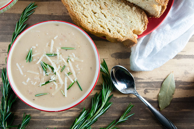 easy-tuscan-white-bean-soup-5