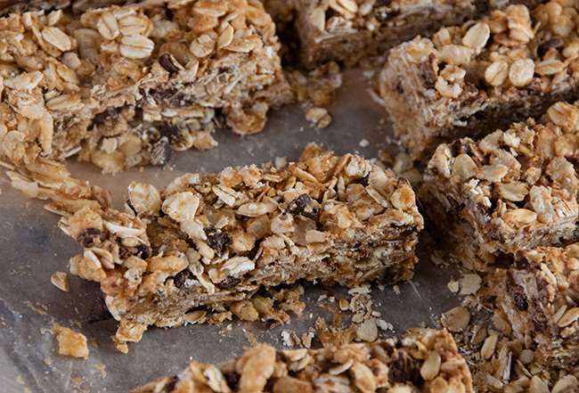 No Bake Peanut Butter Chocolate Chip Granola Bars