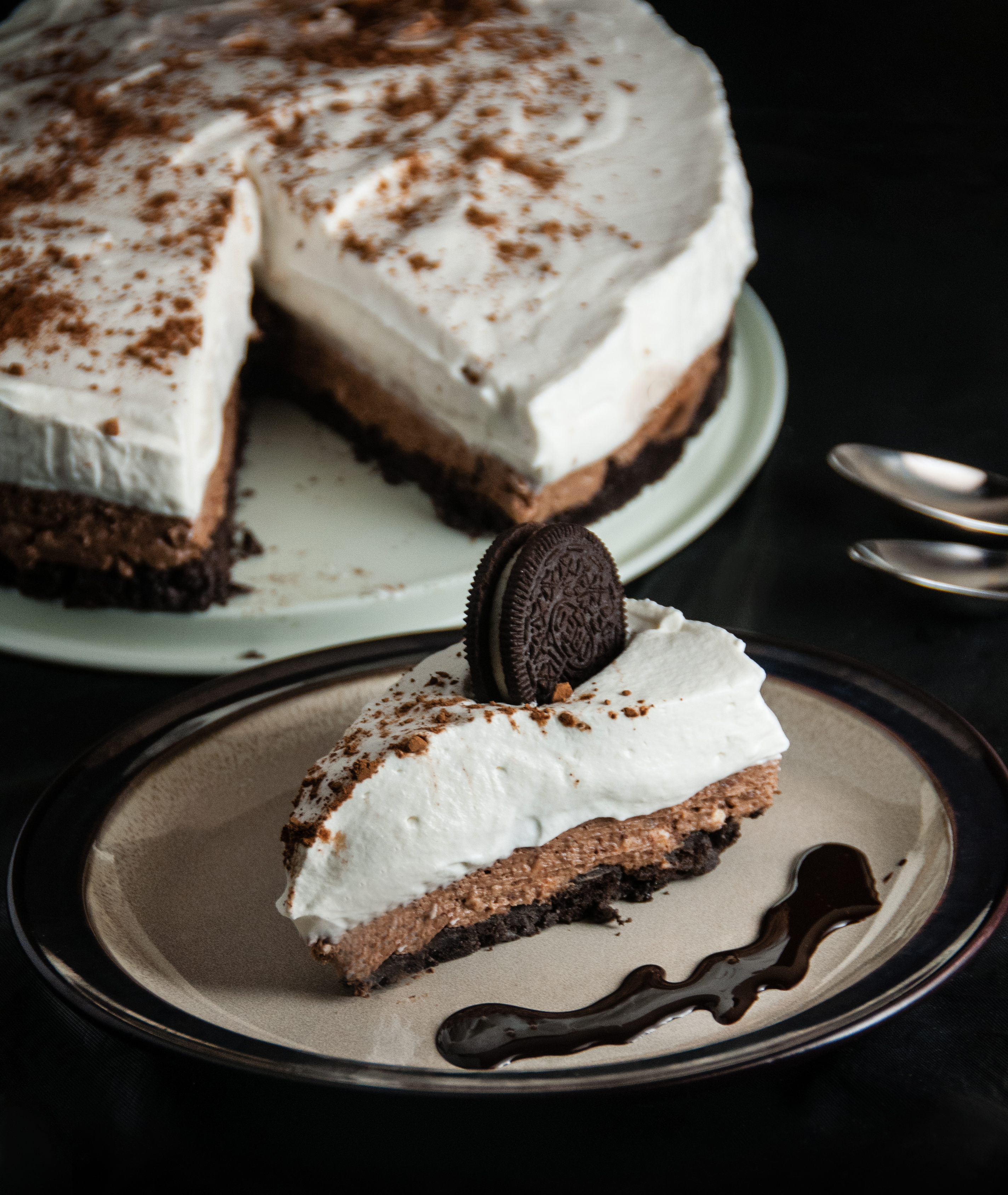 No Bake Chocolate Cheesecake with Oreo Crust - Seasoned Sprinkles ...