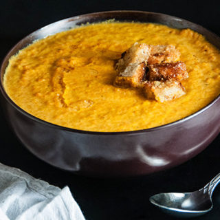 Easy Roasted Carrot Soup