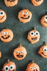 Easy Pumpkin Oreos
