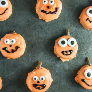 Easy Pumpkin Oreos