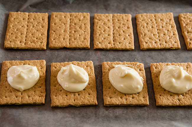 Graham crackers with melted white chocolate