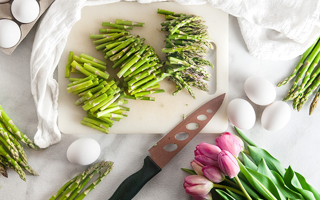 Asparagus chopped into thirds