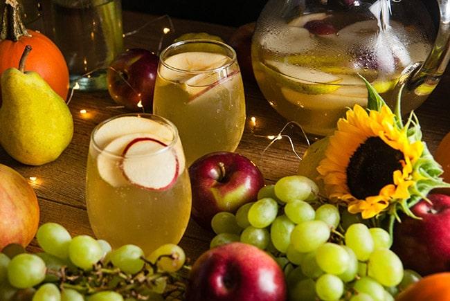 glasses of white apple sangria