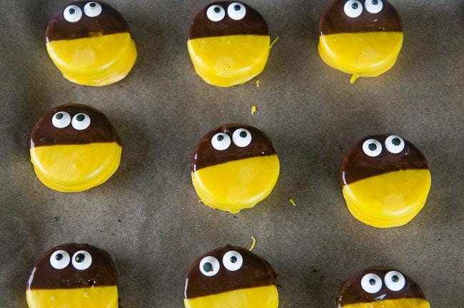 Add the eyeballs to your bumblebee cookies