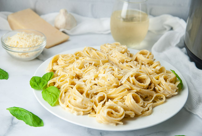 Instant Pot Fettuccine Alfredo is a delicious one pot dinner.