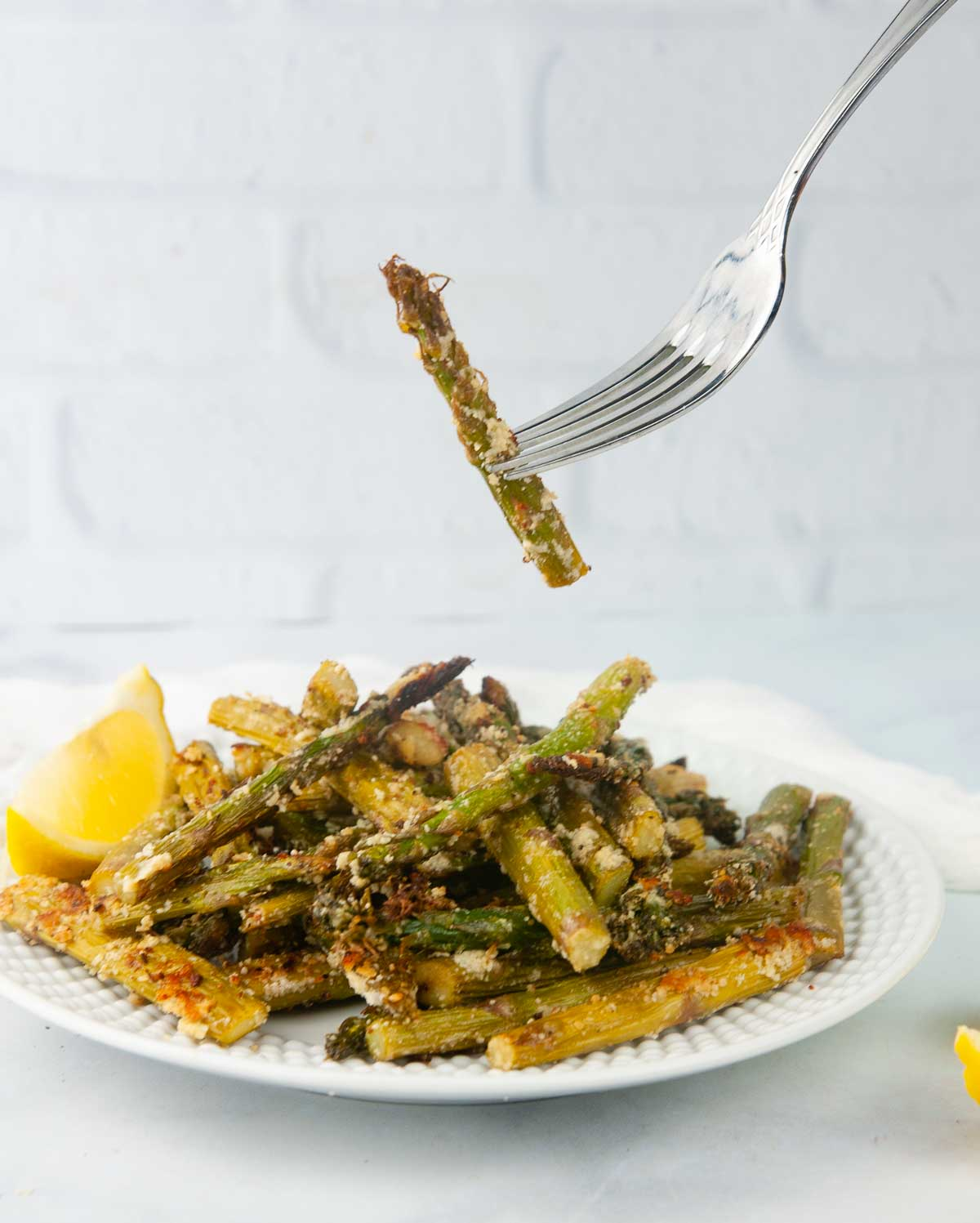 Flavor Packed Air Fryer Asparagus Tossed with the Perfect Blend of Seasonings